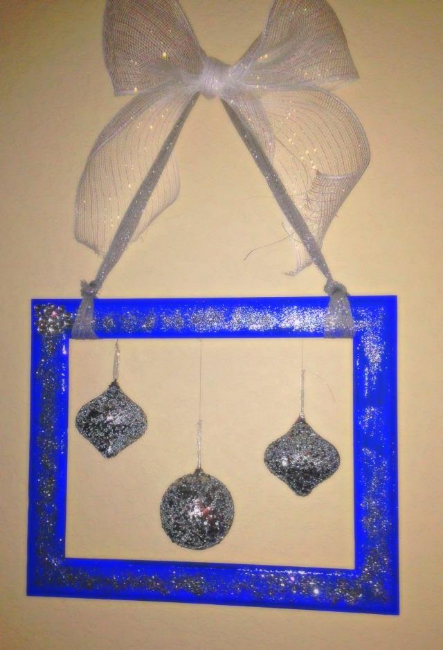 OrnamentHanger
