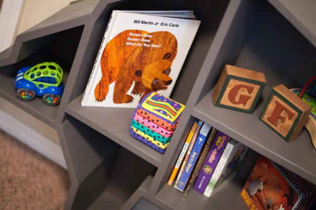 We have a bear shelf. you guys! A bear shelf! Just so awesome.